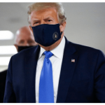 Trump porte un masque pour la première fois en public lors d'une visite à un hôpital militaire